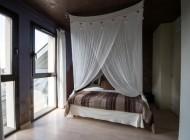 Le lit de la Suite de l'Hôtel à Chartres